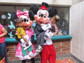 PERSONAJE MICKEY PARA FIESTAS INFANTILES