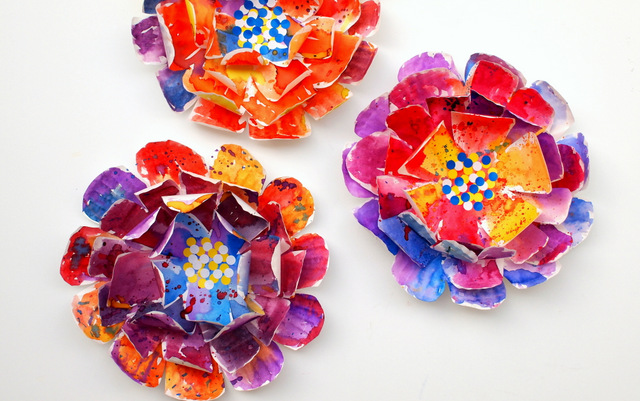 directions to make beautiful, hyper-colorful paper plate flowers