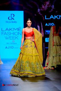 Bollywood Actress Malaika Arora Khan Walks on Ramp at LFW Summer 2017  0002.jpg