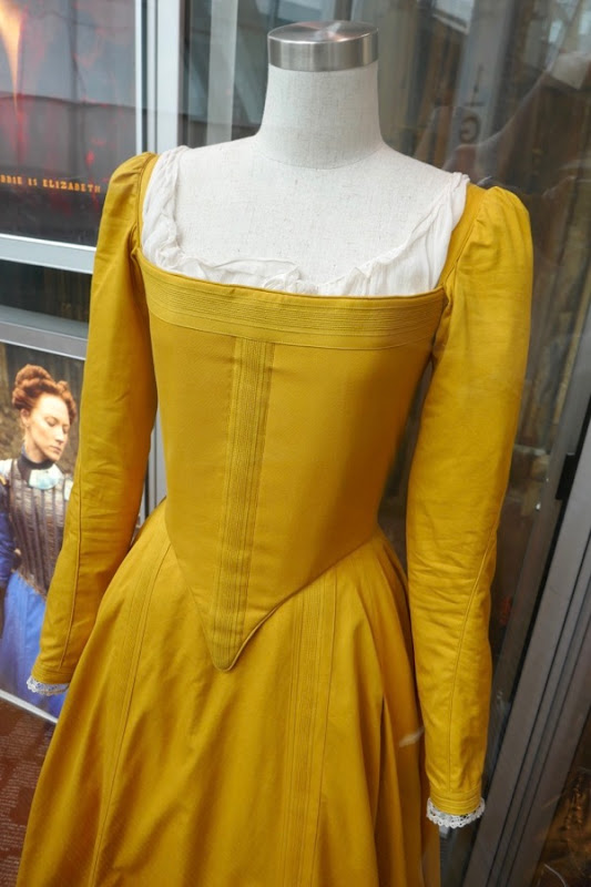 Saoirse Ronan Mary Queen of Scots costume
