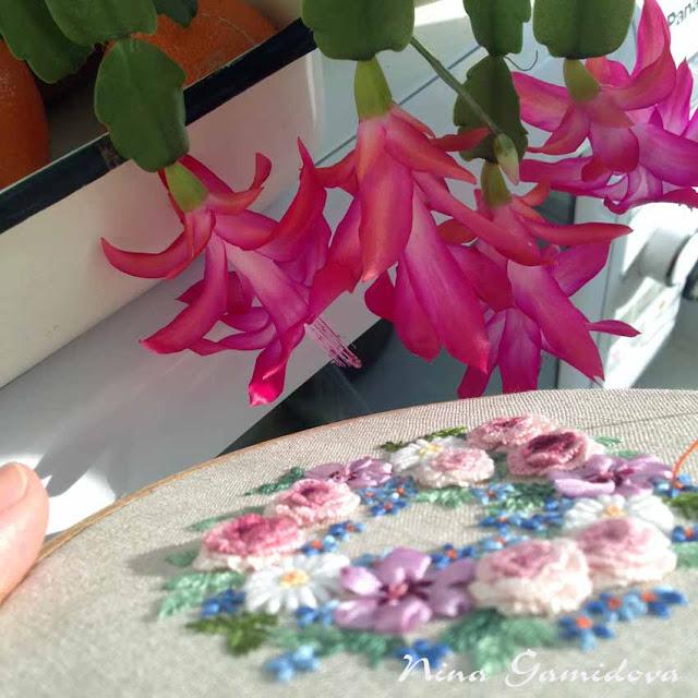 вышивка роз петельным швом