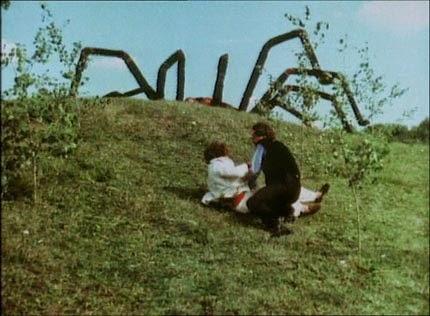 Fréquemment cité, pour ses propriétés nanardesques, L invasion des araignées  géantes vaut surtout pour deux choses. La première est son armée de  vétérans à ... 897281eb2ff3