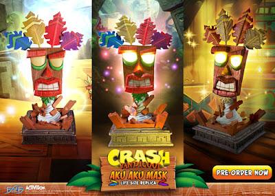 La Fist 4 Figure ci propone da Crash Bandicoot la Maschera Aku aku Life Size