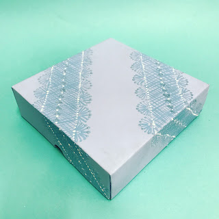 We decorated this plain box using the Series 1 Starter kit and Delicate lace kit from You Can Folk It