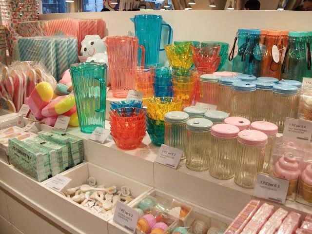 Tiger stores, Tiger Napoli, Stazione Centrale, Naples, Danish style,home furniture, gadgets, ice cream gadgets