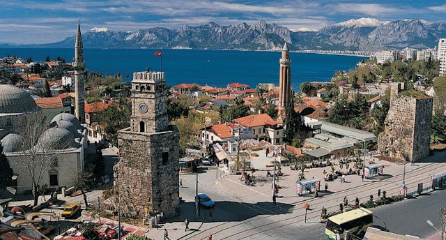مرشد ودليل سياحي في انطاليا المدينة القديمة