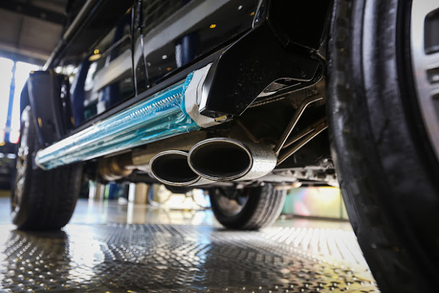 Mercedes AMG G63 trang bị ống xả kép mạ Chrome bên hông xe