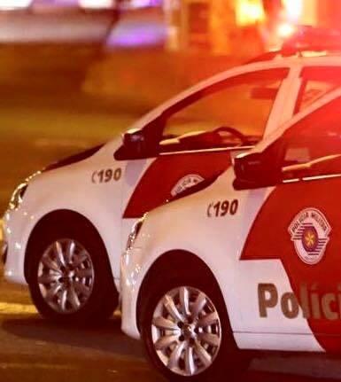 POLÍCIA MILITAR PRENDE HOMEM FURTANDO SUPERMERCADO EM REGISTRO-SP