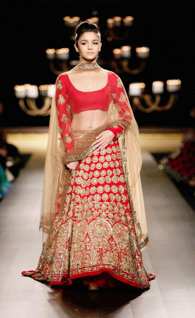 Alia Bhatt hot navel still