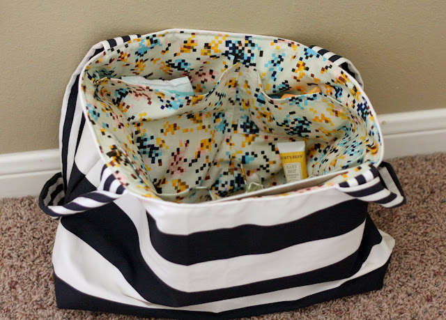 How to Add Patch Pockets to a Tote Bag {Guest Post}
