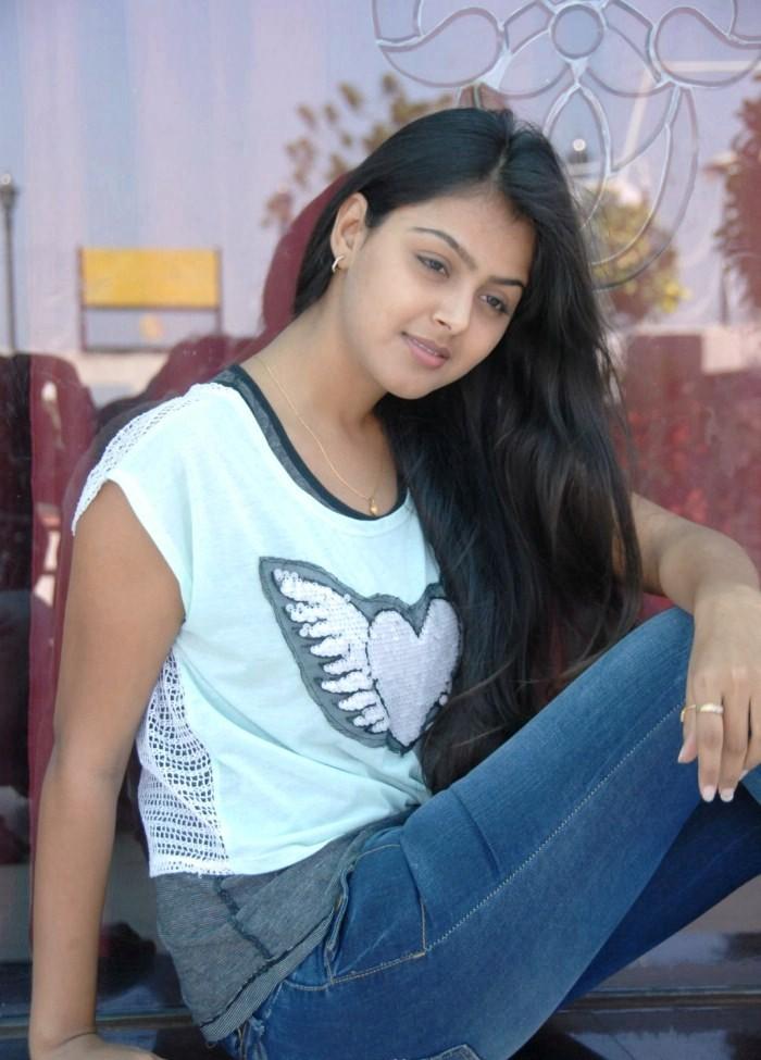 Monal gajjar cute n hot collection