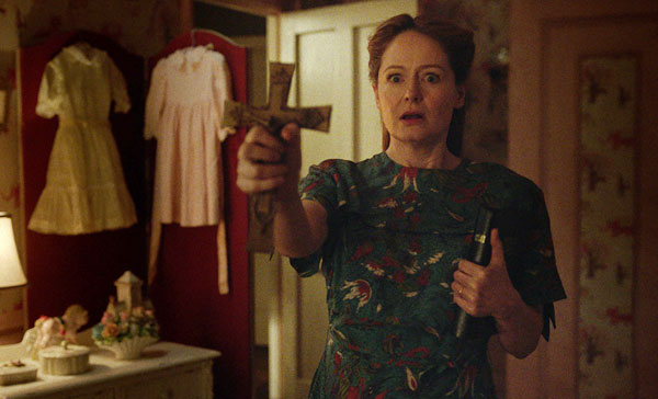 Esther Mullins (Miranda Otto) faces her worst nightmare in ANNABELLE: CREATION (2017)