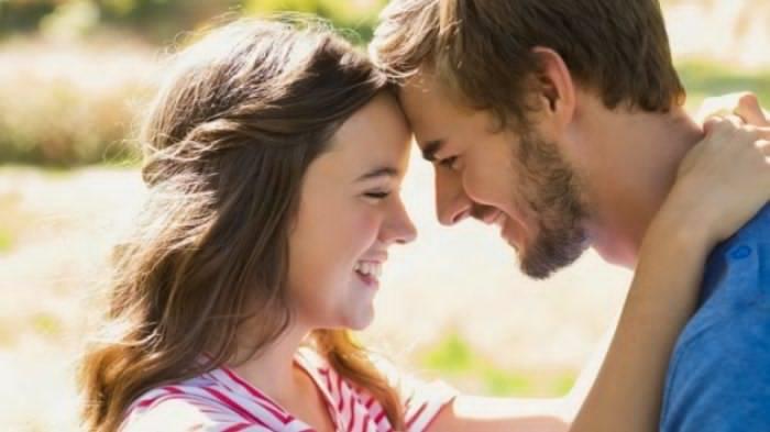 Kenapa Banyak Orang Suka Ciuman dengan Lidah? Ini Jawabannya
