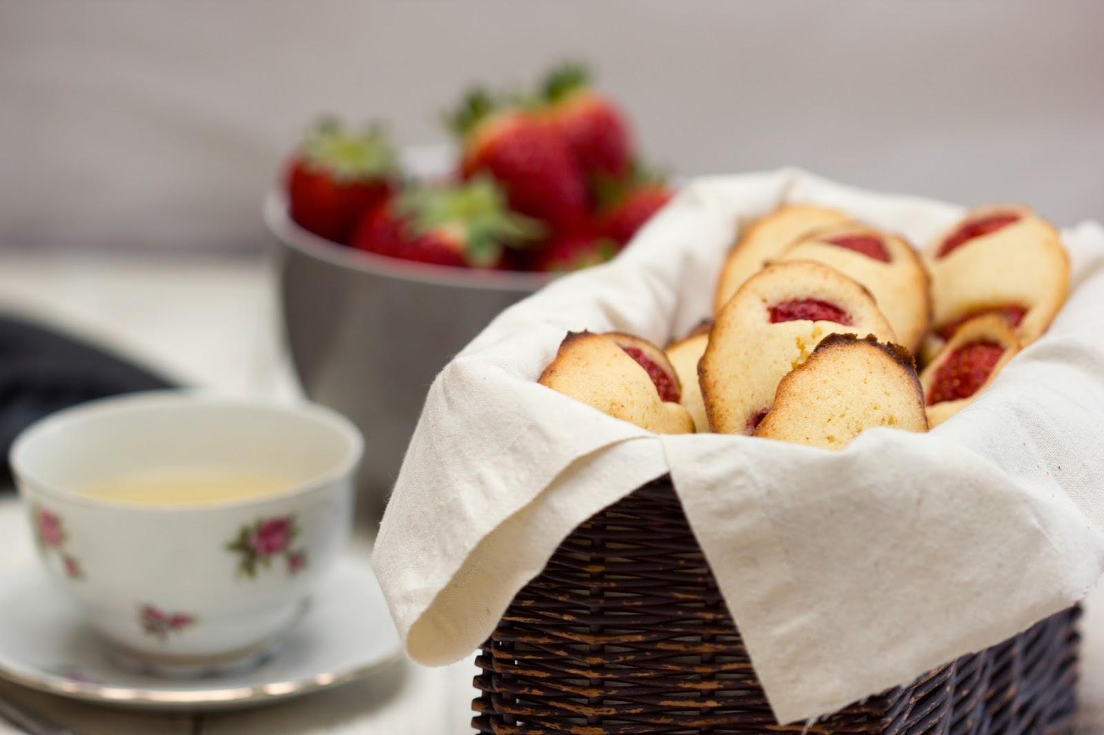 Madeleines aux fraises