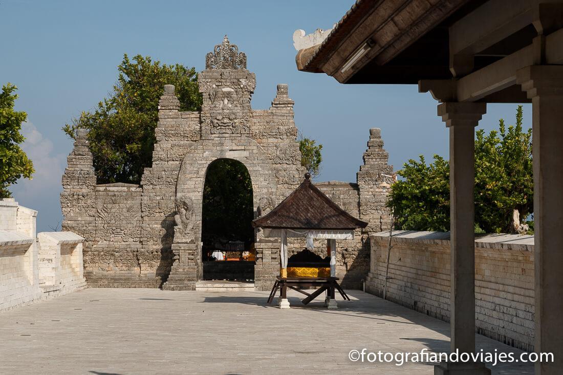 Templo Pura Luhur Uluwatu en Bali