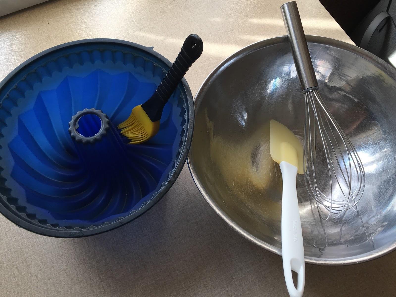 eigenkreation 15 min joghurt nuss gugelhupf ohne mehl. Black Bedroom Furniture Sets. Home Design Ideas
