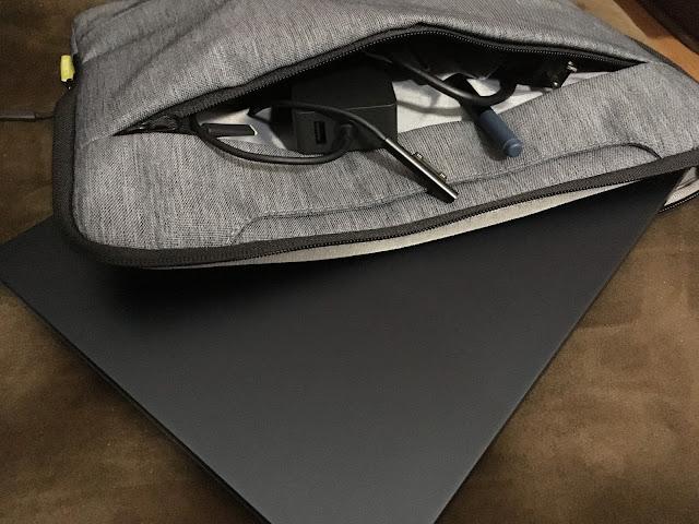 Surface Laptop用インナーバッグ