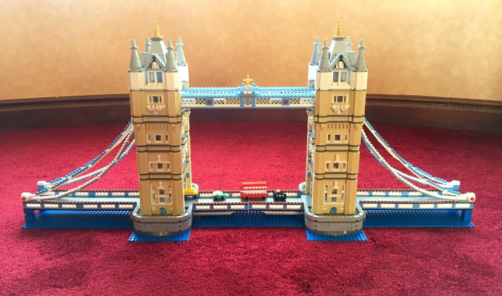 Building Lego Tower Bridge 10214 | The finished build.