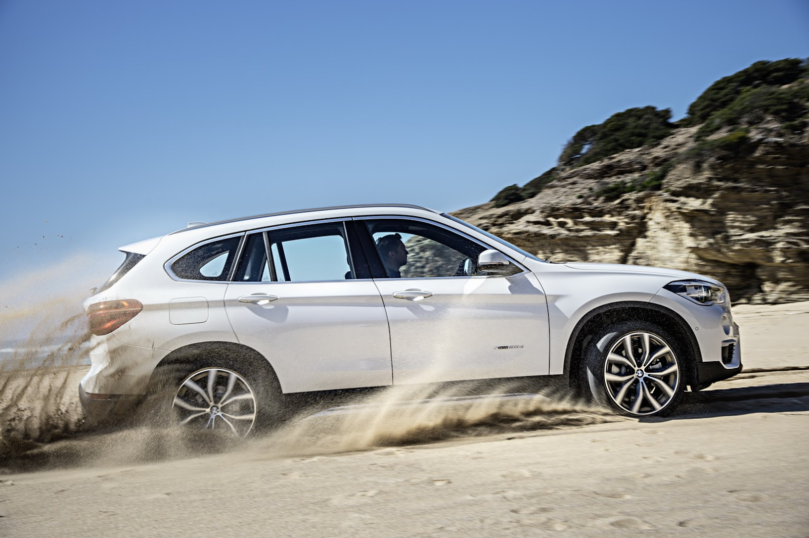 2016 bmw x1 moves into its second generation 76 photos. Black Bedroom Furniture Sets. Home Design Ideas