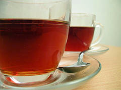 Tea prevents formation of kidney stones