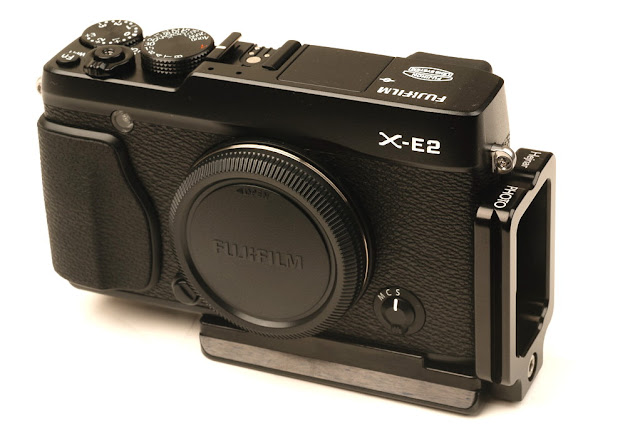 Hejnar PHOTO FX-E1 Modular L Bracket on Fuji X-E2