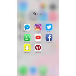 iPhone Social Folder