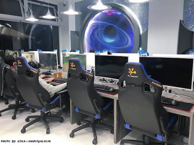 IMG 1231 - 台中大里│吉吉網路生活館-大里店。號稱台中最狂電競網咖,49吋大螢幕讓你身歷其境!