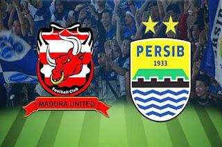 Madura United vs Persib Bandung