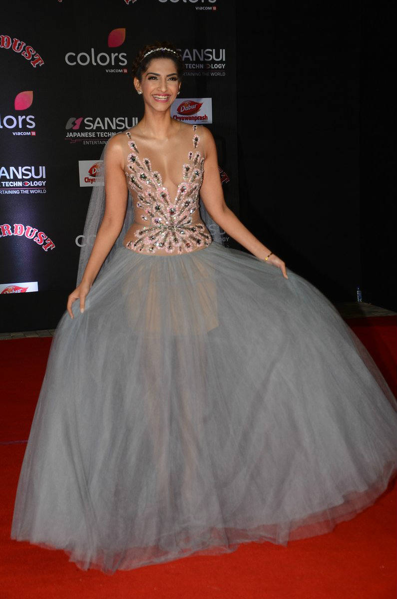 Sonam Kapoor In Sizzling Curvy Transparent Gown Stills