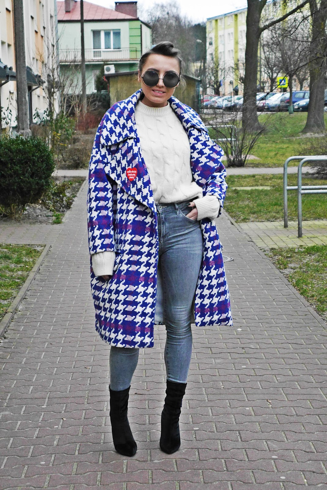 4_big_coat_denim_pants_socks_boots_karyn_blog_modowy_140118sd