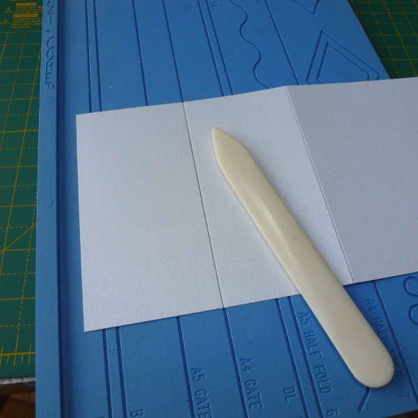 Scoring down the greeting card blank making cards beginner tutorial by craftymarie