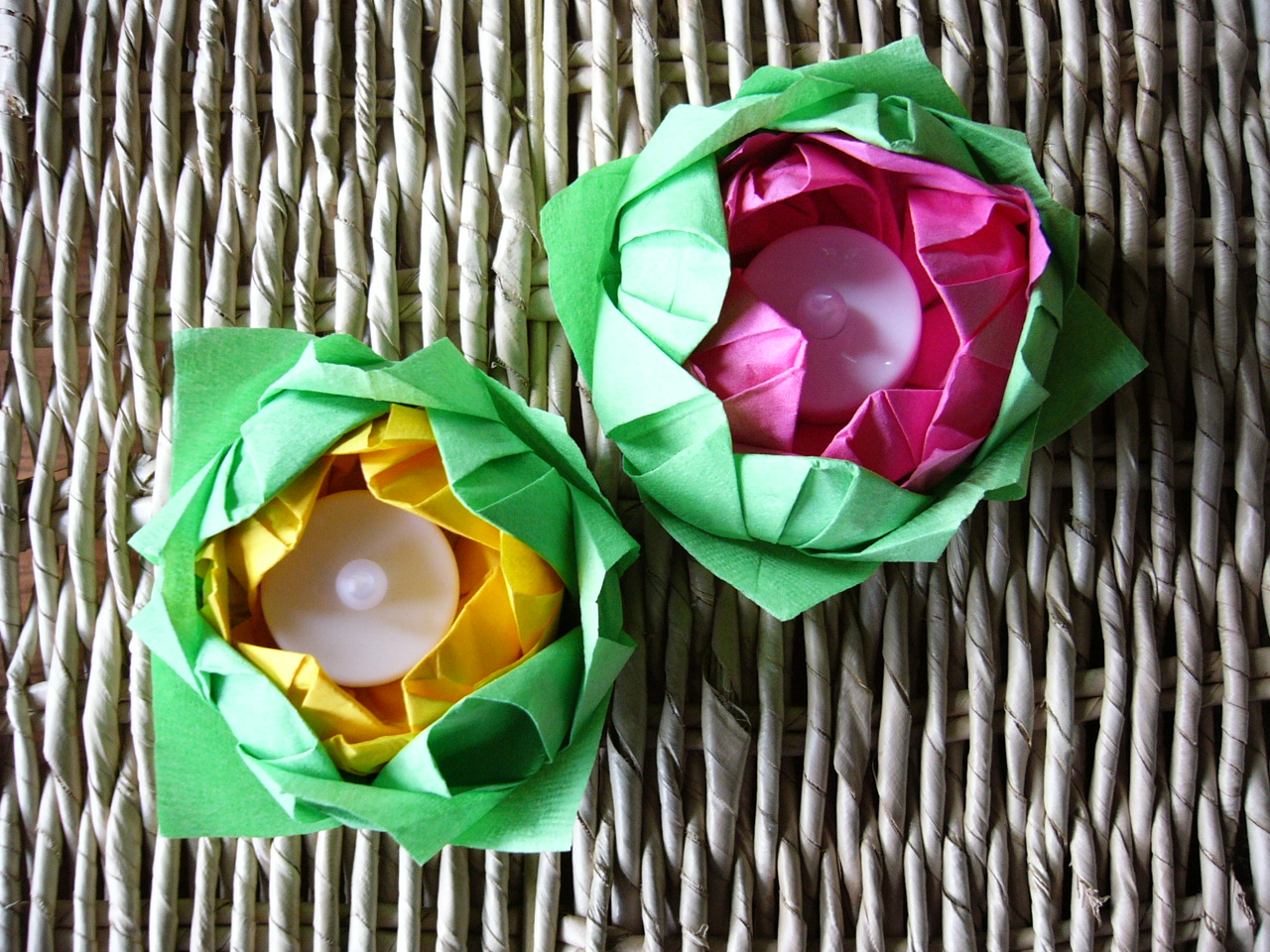 one love origami: diy friday - origami lotus candle holder - photo#34