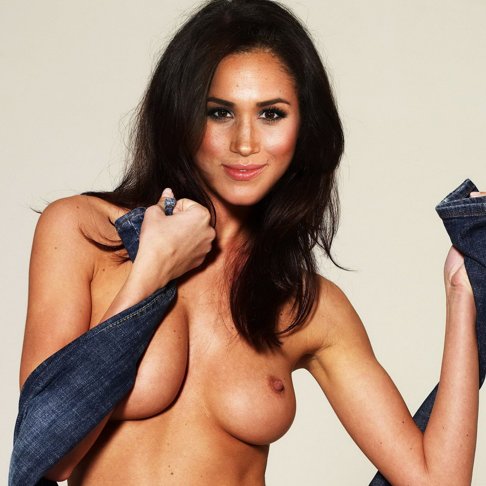 Move Over, Kate Prince Harry's New Girlfriend Meghan Markle Stuns In A Sexy Photo Shoot
