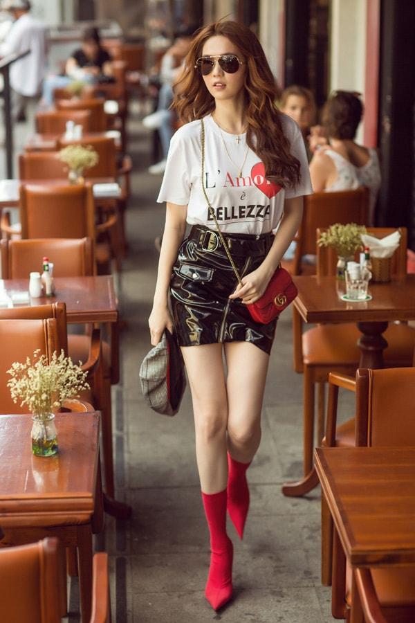 Ngọc Trinh diện quần short, váy ngắn hàng hiệu dạo phố Sài Gòn -1