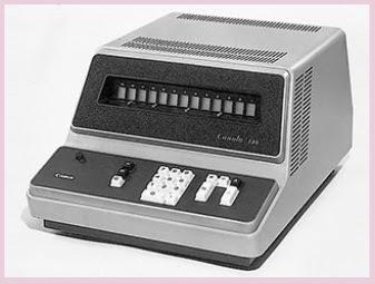 Conola 130 merupakan kalkulator elektronik pertama di dunia yang dibuat oleh Canon dengan 10 tombol saja