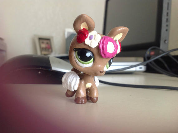 littlest pet shop custom toy with a flower crown
