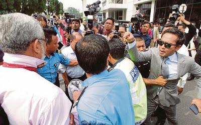 Khalid Samad Diserang Di Parlimen