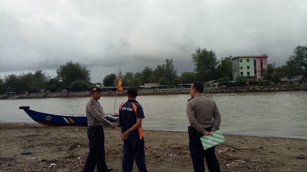 Plesiran di Pantai Ayah, Pelajar Asal Klaten Ditemukan Meninggal Diseret Ombak