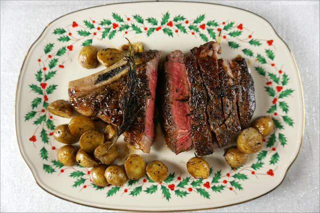Cena de Noche Vieja: Prime Dry-Aged Bone-In Ribeye Steak con Patatas