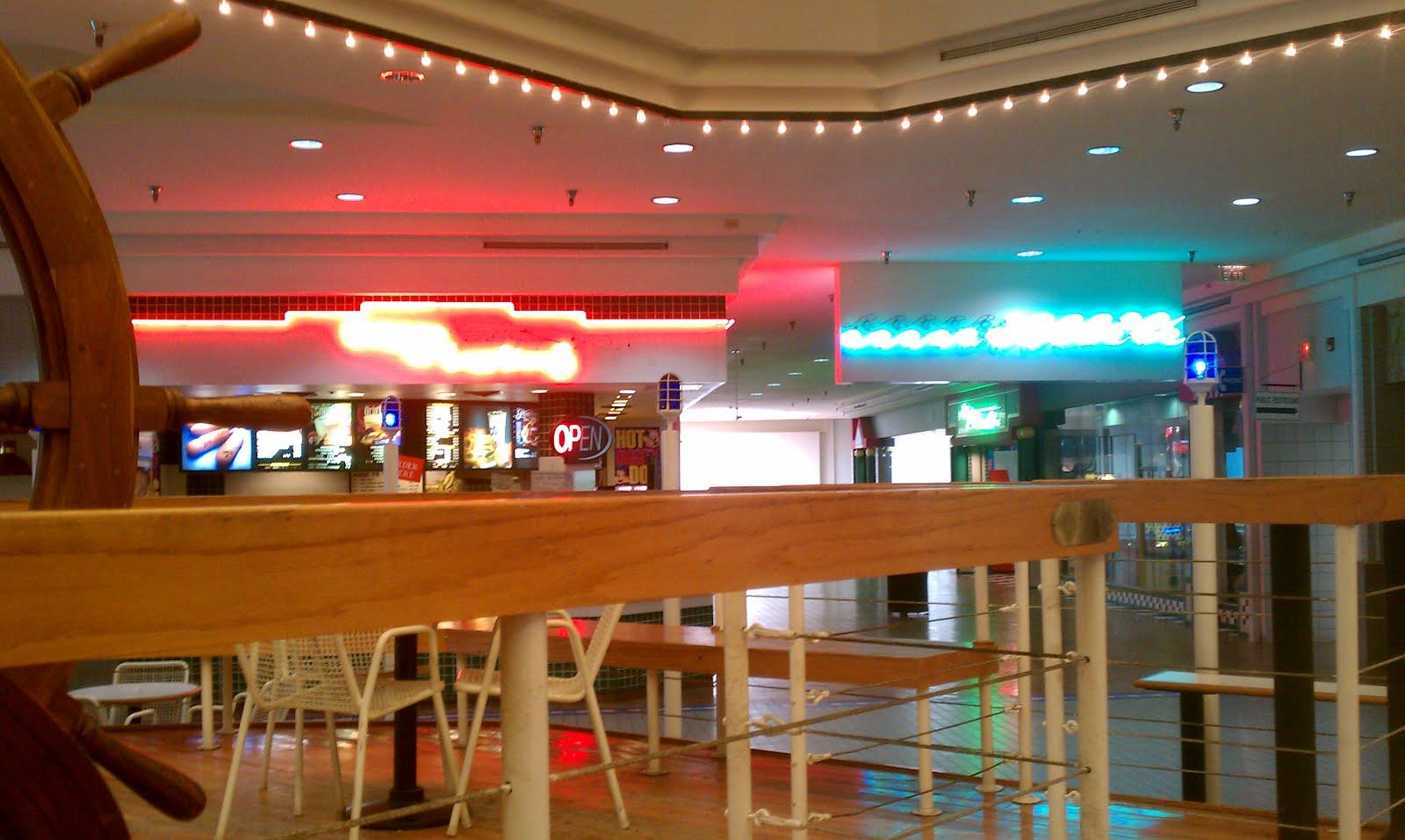 Palmera Mall Food Court