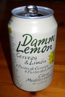 lata de cerveza Damm Lemon