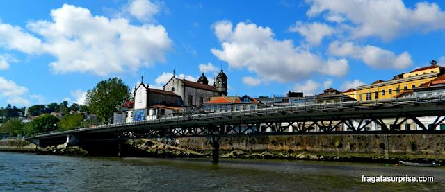 Passeio de barco no Porto: Igreja de Massarelos e Viaduto do Cais das Pedras
