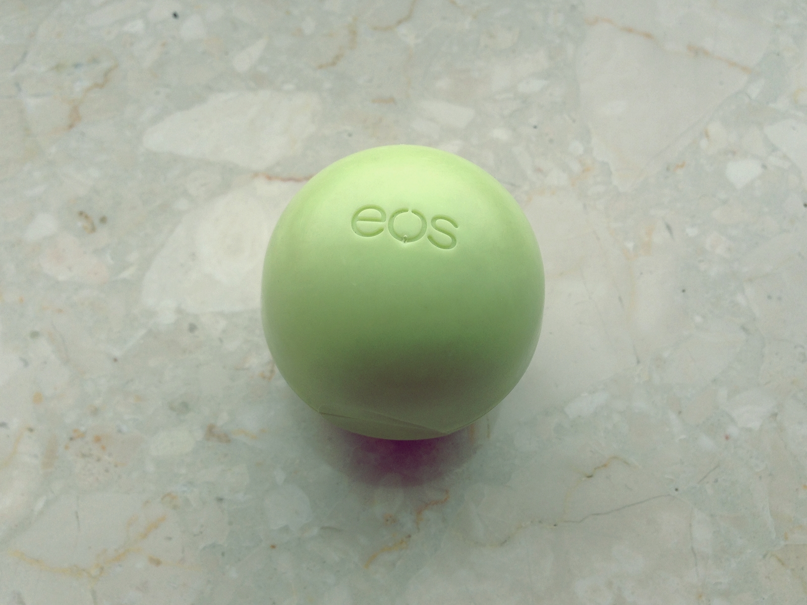 EOS (EVOLUTION OF SMOOTH) - PRZESTRZENNY BALSAM DO UST