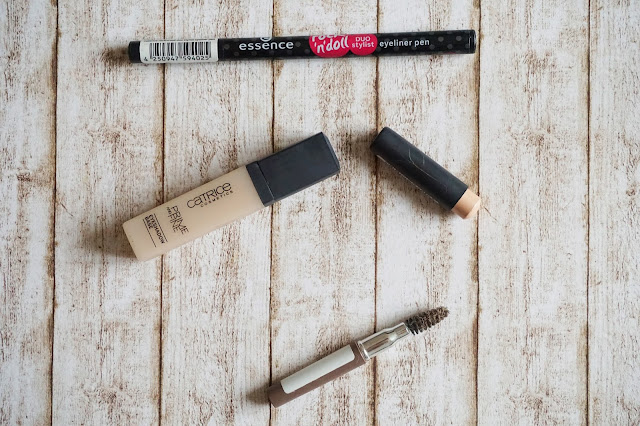 essence - rock'n'doll duo stylist eyeliner pen  Catrice - Prime and Fine Eyeshadow Base in 010  Catrice - Eyebrow Lifter in 010 Lift me up, Scotty!  Catrice - Eye Brow Stylist in 020 Date with Ash-ton