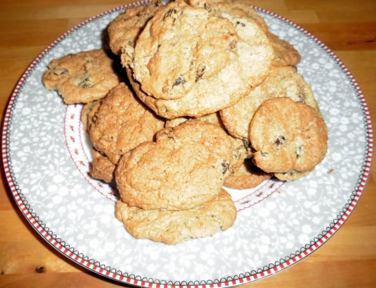 Cinnamon and Raisin Cookies: Eat Whilst Still Hot