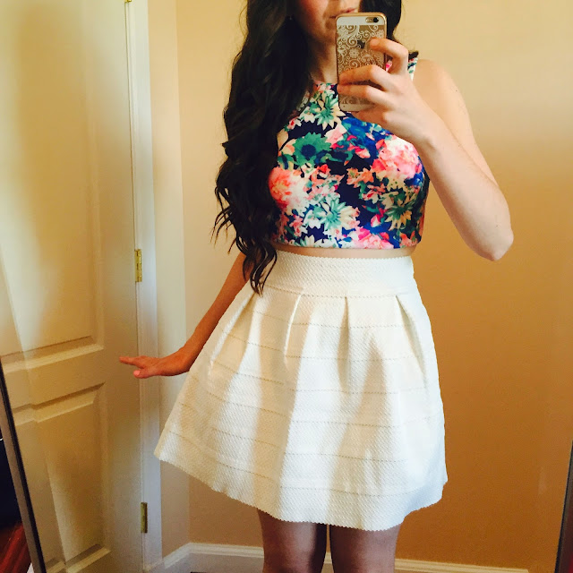 floral crop top, crop top, floral dress, white bandaged skirt, white bandage skirt, white skirt, teen fashion, teen fashion outfits, pretty