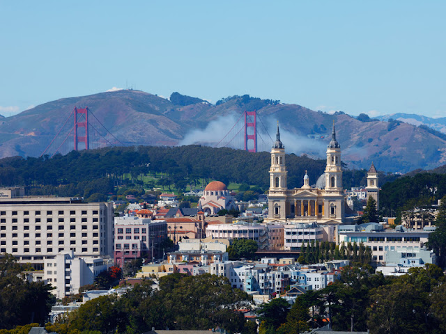 Picture of Golden Gate bridge and old San Francisco architecture