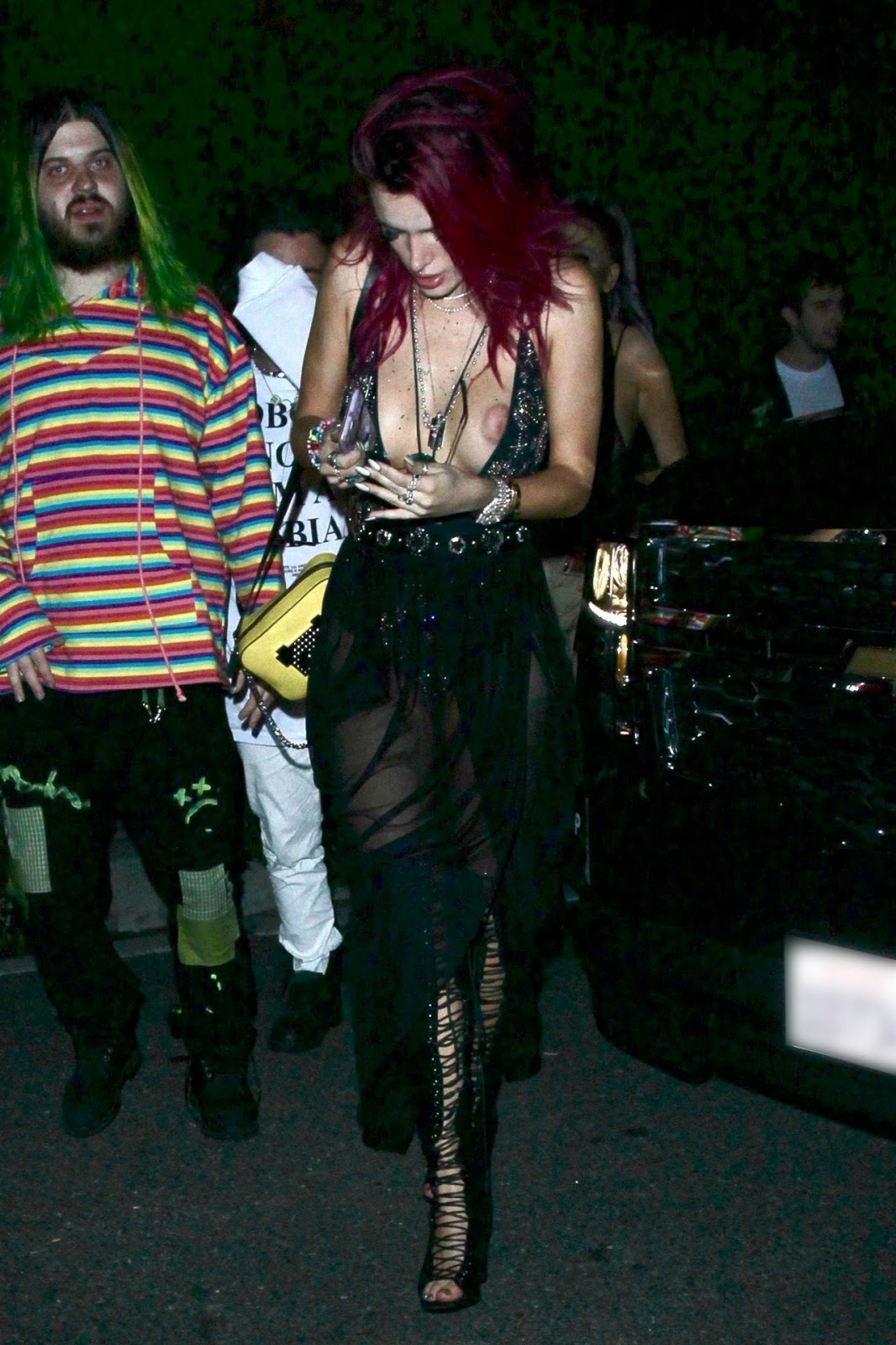 BELLA THORNE – BRALESS BOOB SLIP IN HOLLYWOOD (NSFW)