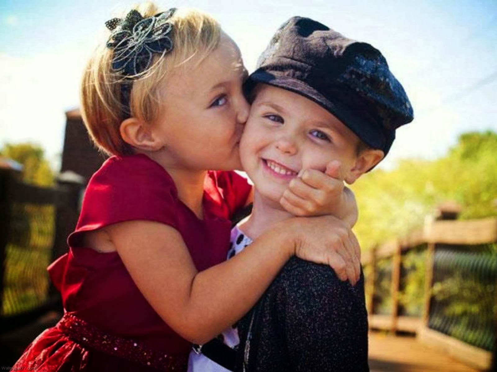 Beutifull Cute Hd Wallpapers Baby Kiss Desktop Dounlod -8366