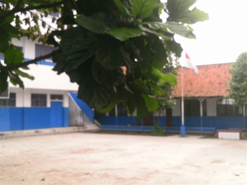 halaman sekolah tunas harapan bekasi